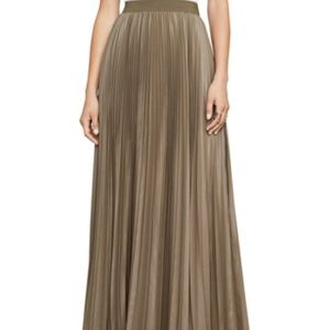 BCBG Pleated Skirt Size M Fatigue color